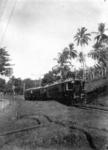 10521 FDHEEMAF020064 Motortrein op de verbindingslijn van Boekit Doeri naar Manggarai, 1925-11-17