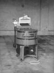 11056 FDHEEMAF030803 Elektrische wasmachine met éénfasemotor van 0,25 pk, 1927-11-04