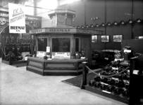 12573 FDHEEMAF030363 Heemaf-stand op de Leipziger Messe, 1926-04-01