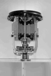 23111 FDHEEMAF060914 Een voor een kwart doorgezaagde wasmachinemotor, 1954-02-10