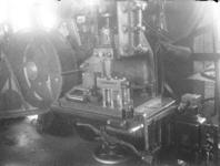 25130 FDHEEMAF3806020 Trekken en persen van stofzuigerbuizen, 1938-06-01