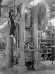 25893 FDHEEMAF4004004 Warmpers van het fabrikaat Schuler met een maximale persdruk van 140 ton, 1940-04-01