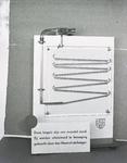 2810 FDHEEMAF053796 Demonstratie zuigkracht van een HEEMAF stofzuiger met stalen kogels, 1937-01-08