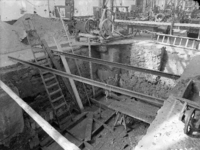 4301 FDHEEMAF050632 Kuil in fabriekshal bestemd voor de montage van de verticale draaistroom generator (8000 kVA; 6300 ...
