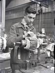 6209 FDHEEMAF054590 Het wikkelen van een rotor van het type GM 1. Inleggen van de spoelen, 1939-03-30
