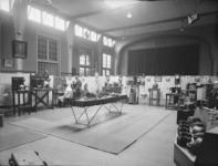6458 FDHEEMAF033254 Tentoonstelling HEEMAF producten in Waalwijk, 1935-04-08