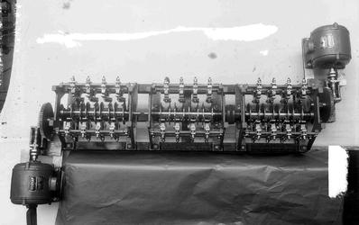 8665 FDHEEMAF032826 Moederwals voor verkeersregel-installatie met twee motoren van het type NK 12-6 (0,45 kW/0,75 pk; ...