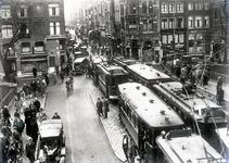 8890 FDHEEMAF021032 Introductie verkeerslichten in de Leidsestraat, 1931-10-19