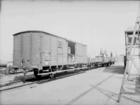 9627 FDHEEMAF002669 Laden van zending voor Messrs. Bakubhai en Ambalal te Bombay op onbekende locatie, 1923-07-01