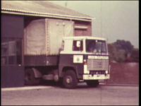 4477 BB07701 Een film met diverse opnames van o.a.:- Een vrachtwagen van transportbedrijf Opijnen uit Deventer;- De ...