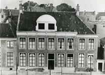 4701 FD001303 Het woonhuis van de dichter Rhijnvis Feith (1753-1824) in de Bloemendalstraat in het centrum van de stad. ...