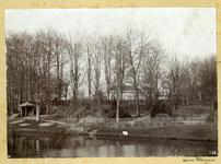 978 FD011448 Opname van de Potgietersingel te Zwolle, vanuit het zuidoosten met kale bomen aan de Wal. Daarboven is de ...