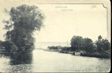 1529 PBKR4383 Zwartewater, Zwolle, 1902. Gezicht vanaf het Rodetorenplein op het Zwartewater. Tussen de linker- en ...