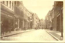 2314 PBKR3380 Gezicht in de Sassenstraat vanaf de Grote Kerk, ca. 1923. Links de winkel van Jacob Tamse. Daarnaast is ...