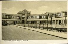2469 PBKR5697 Oude ansichtkaart van Meidoornplein te Zwolle. Links een oude verhuiswagen. Nieuwbouwwijk in de jaren ...