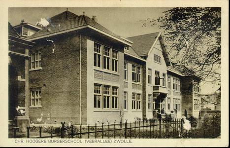 2562 PBKR3984 Zijaanzicht van de voorgevel van de Christelijke Hogere Burgerschool, aan de Veerallee, gebouwd in 1925 ...