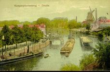 3719 PBKR1870 Ingekleurde prentbriefkaart van de geopende Kamperpoortenbrug (draaibrug 1870-1940), vanuit het zuiden ...