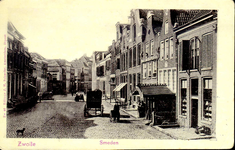 3880 PBKR0777 Gezicht op De Smeden, zoals het laatste deel van de Diezerstraat tot 1916 heette, in de richting van het ...