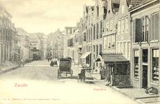 4061 PBKR0778 Het eind van de Waterstraat brengt ons in de Smeden, zoals het laatste deel van de Diezerstraat tot 1916 ...