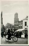 4110 PBKR1363 Grote Markt vanuit het noordoosten. Links nog net zichtbaar Grote Kerk. Middenachter zicht op ...