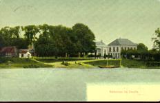 4351 PBKR1962 Ingekleurde prentbriefkaart met gezicht op de aanlegplaats van het Katerveer op de Zwolse oever vanaf de ...