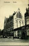 4397 PBKR2549 Gezicht vanaf de Oude Vismarkt op het postkantoor aan de Nieuwe Markt, ca. 1915. De foto dateert van vóór ...