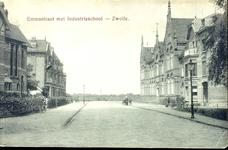 4673 PBKR0886 Emmastraat met rechts de Industrie- en Huishoudschool, 1910.Industrie- en Huishoudschool (Emmaschool) aan ...