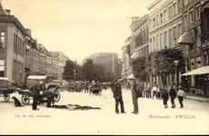 5305 PBKR2162 Gezicht vanaf de Grote Markt in de richting van de Melkmarkt, ca 1900. De aanwezigheid van de vele ...