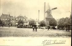 6086 PBKR2891 Zuidwestelijke gevelwand van het Rodetorenplein, ca. 1900. De molen is de Jufferenwalmolen (Molen van ...