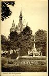 6241 PBKR2322 Het Van Nahuysplein met de fontein uit 1892, geschonken aan burgemeester Jhr. W.C.Th. van Nahuys in ...