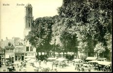 6612 PBKR1253 Markt op het Grote Kerkplein, met zicht op de Peperbus en marktkramen, ca. 1930. Links, Grote Kerkplein 4 ...