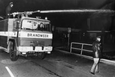 90736 Afbeelding van een brandweeroefening van de brandweerkorpsen Vleuten, De Meern, Maarssen, Harmelen en Douwe ...