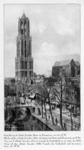 123815 Gezicht op de Domtoren en -kerk te Utrecht vanaf de zolderverdieping van een een huis aan de Oudegracht ...