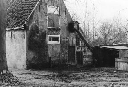 88371 Gezicht op een gedeelte van de stallen van de boerderij Den Engh (Enghlaan 17) te Vleuten (gemeente Vleuten-De ...