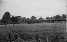 126014 Gezicht op boerderij Maria's Hoeve (Lageweide 14) te Utrecht.N.B. Het adres is ca. 1950 gewijzigd in Lageweide 28.