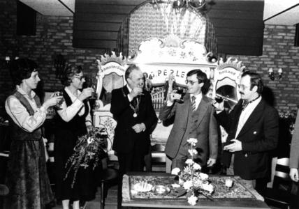 90935 Afbeelding van de opening van het restaurant Castellum (Castellumlaan 1) te De Meern (gemeente Vleuten-De Meern), ...
