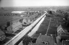 5327 Gezicht op de Stationsweg en de Kerkgracht te Breukelen uit het oosten vanaf de toren van de N.H.-kerk.