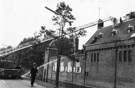 90722 Afbeelding van een brandweeroefening van de brandweerkorpsen van Vleuten, Maarssen en De Meern bij de ...