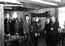 90944 Afbeelding van de officiële opening van het uitgebreide restaurant De Tol (Hindersteinlaan 38) te Vleuten ...