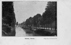 122783 Gezicht op de Stadsbuitengracht te Utrecht, vanaf de Willemsbrug, links de Catharijnesingel, rechts de Rijnkade ...