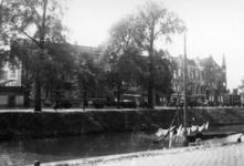 41973 Gezicht op voorgevels van de huizen Catharijnesingel 24-33 (links) te Utrecht; rechts de hoek met de Leidseweg; ...