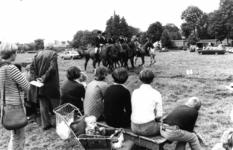 91165 Afbeelding van een ruiterwedstrijd op het terrein aan de Hindersteinlaan te Vleuten (gemeente Vleuten-De ...