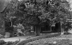 126007 Gezicht op de boerderij Sophia's Hoeve (Lageweide 7) te Utrecht.N.B. Het adres is ca. 1950 gewijzigd in Lageweide 29.