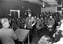 91729 Afbeelding van de leden van de drumband van de muziekvereniging St.-Gregorius uit Vleuten (gemeente Vleuten-De ...