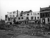 55021 Gezicht op de achtergevels van de huizen Catharijnesingel 25 (links) -29 te Utrecht tijdens de sloop ten behoeve ...