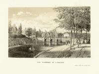 36866 Gezicht vanaf de Catharijnesingel over de stadsbuitengracht te Utrecht op de Tolsteegbrug, uit het westen.