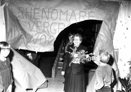 90936 Afbeelding van de opening van de uitbreiding van het restaurant Rhenomare (Meerndijk 1) te De Meern (gemeente ...
