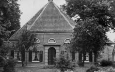 126016 Gezicht op boerderij Maria's Hoeve (Lageweide 14) te Utrecht.N.B. Het adres is ca. 1950 gewijzigd in Lageweide 28.