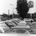 154540 Gezicht op de P+R-parkeerplaats bij het N.S.-station Driebergen-Zeist te Driebergen-Rijsenburg, met op de ...