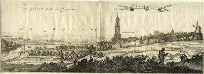 206085 Gezicht op Rhenen gezien vanaf de Rhenense Berg, uit het oosten, met links en op de achtergrond de Rijn en de Betuwe.